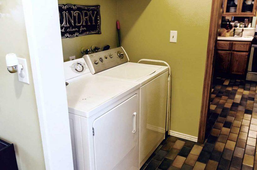 Laundry Area 154 E 16th St, Upland 91784