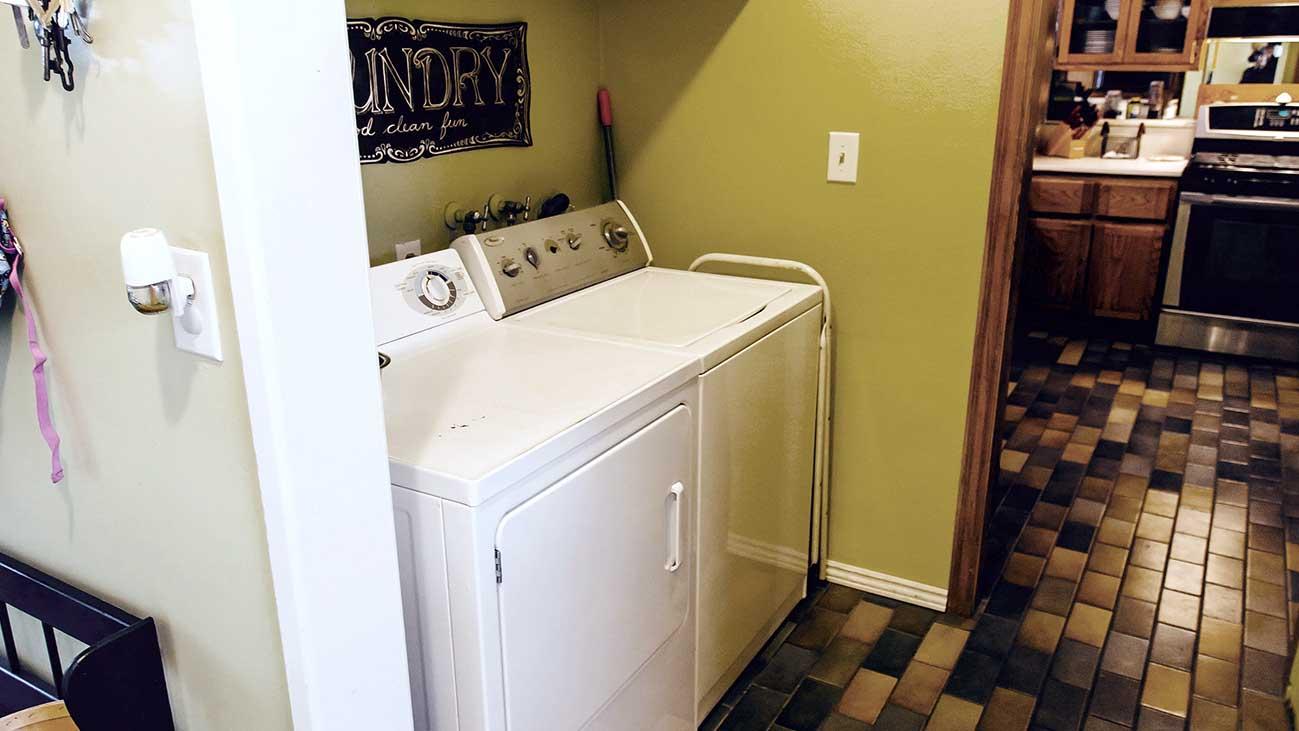 Laundry Area 154 E 16th St Upland 91784
