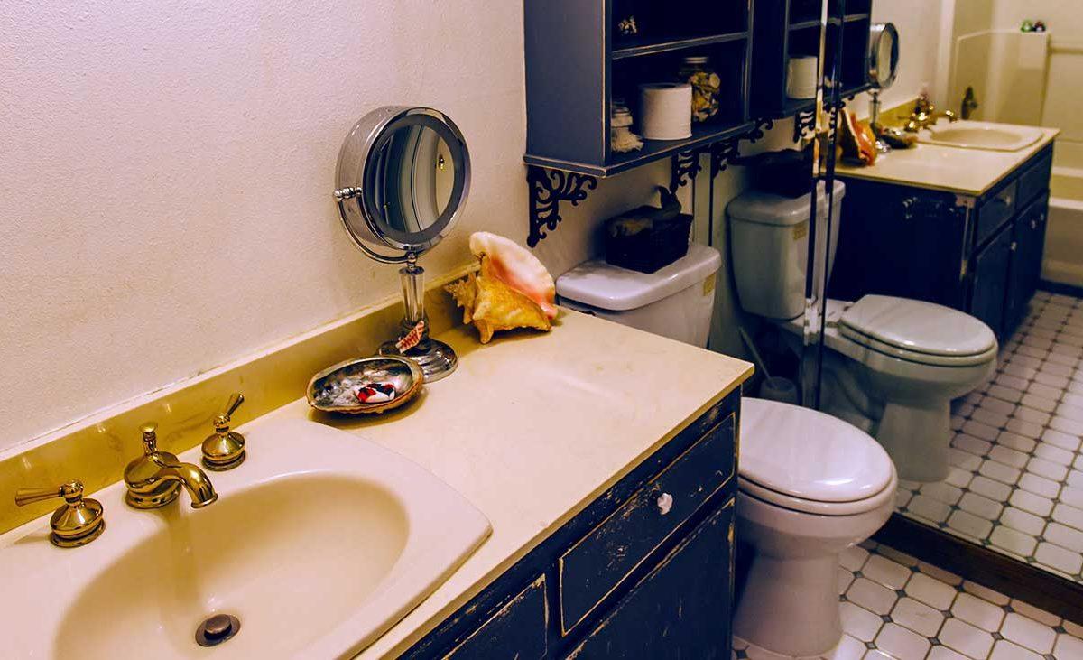Bathroom 154 E 16th St, Upland 91784