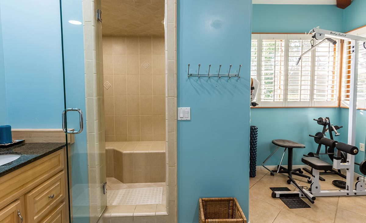 4305 N Sunflower Ave Covina, CA 917244305 N Sunflower Ave Covina, CA 91724 - Steam Shower