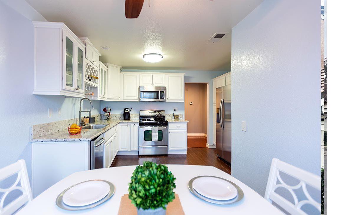 Kitchen & Dining Area - 1576 Corte Santana Upland 91786