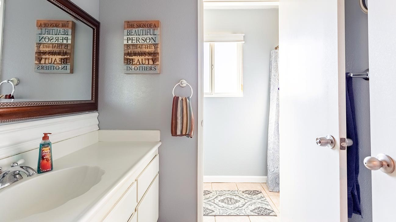 Bathroom - 4689 Romola Ave La Verne
