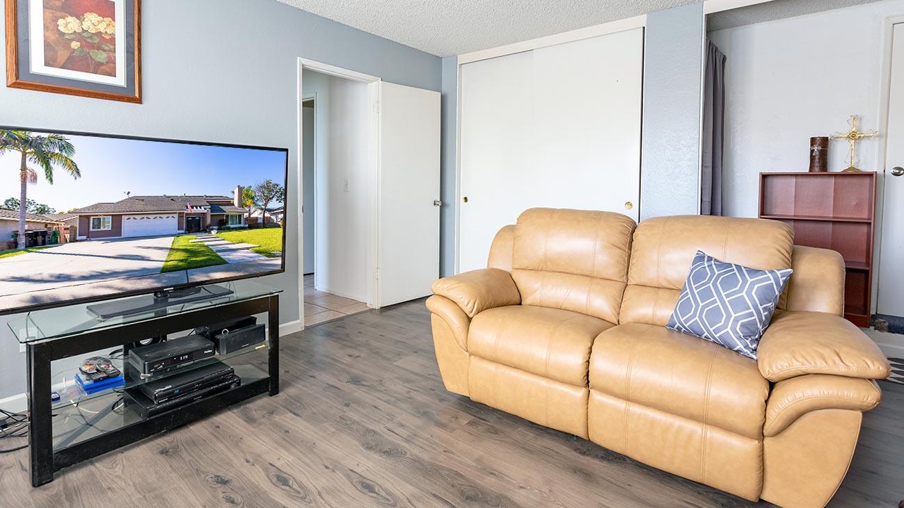 Family Room - 4689 Romola Ave La Verne