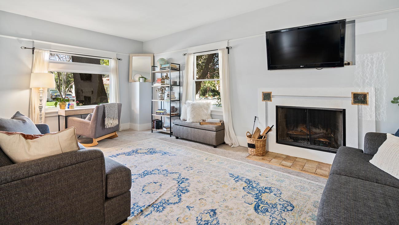 2273 5th Street La Verne, CA 91750 - Living Room