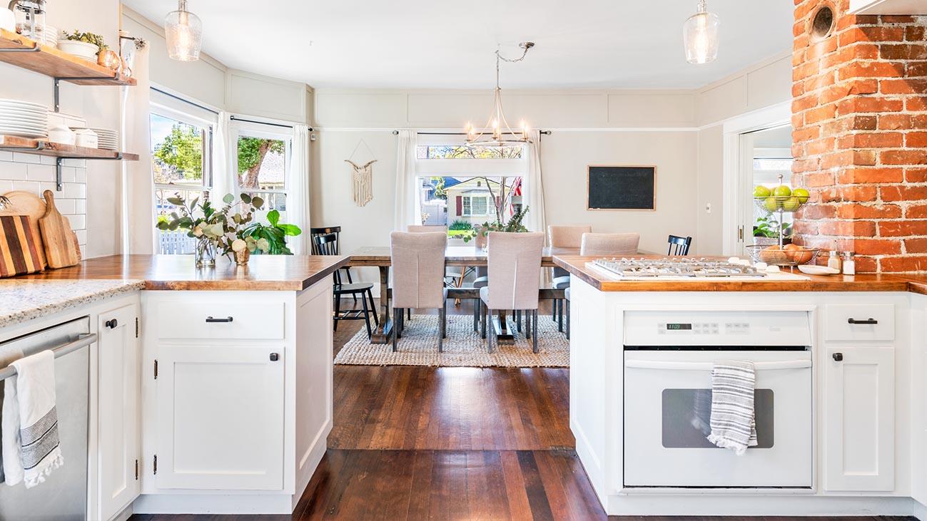 2273 5th Street La Verne, CA 91750 - Kitchen