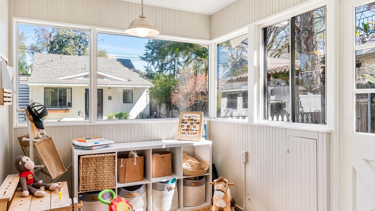 2273 5th Street La Verne, CA 91750 - Porch