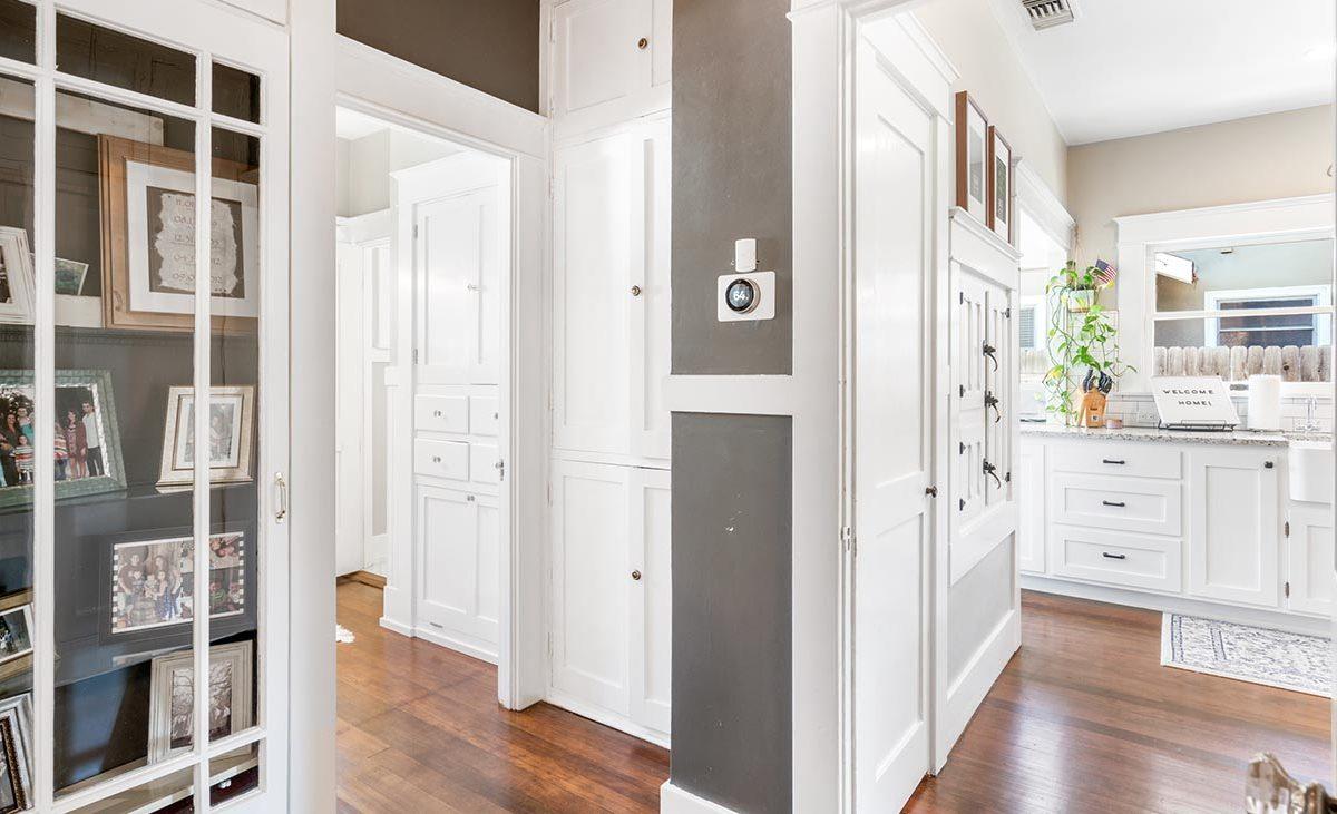 2273 5th Street La Verne, CA 91750 - Hallway