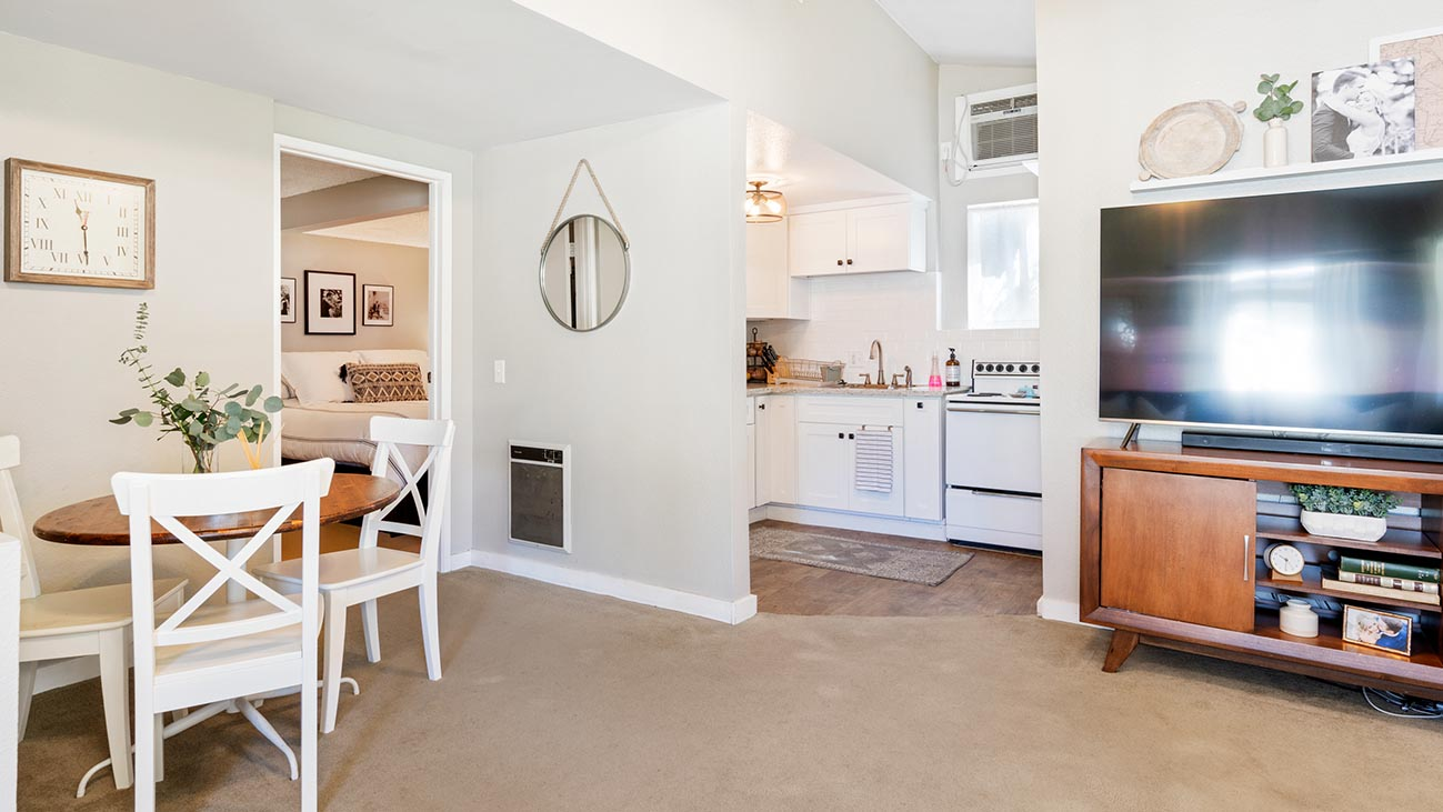 2273 5th Street La Verne, CA 91750 - Back House Kitchen