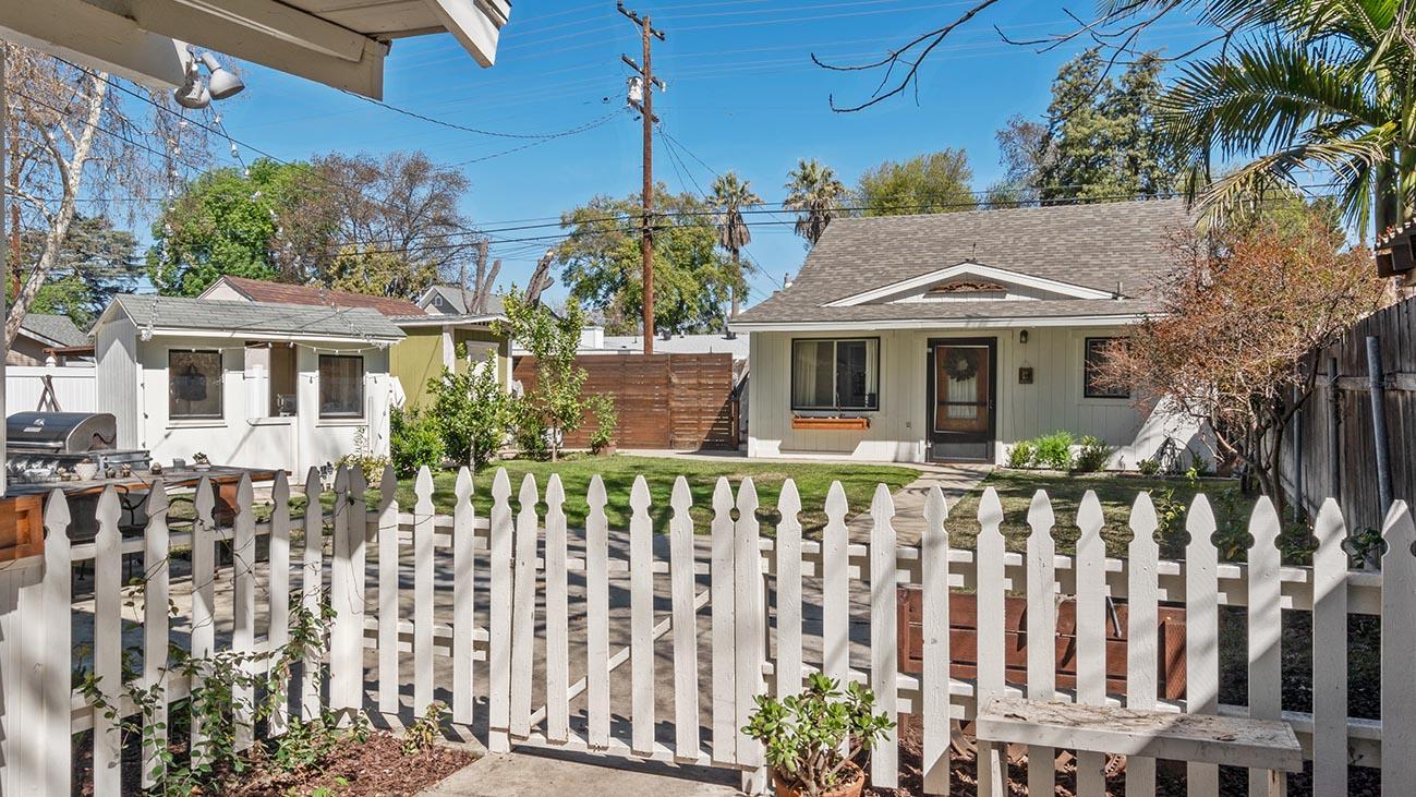 2273 5th Street La Verne, CA 91750 - Back House