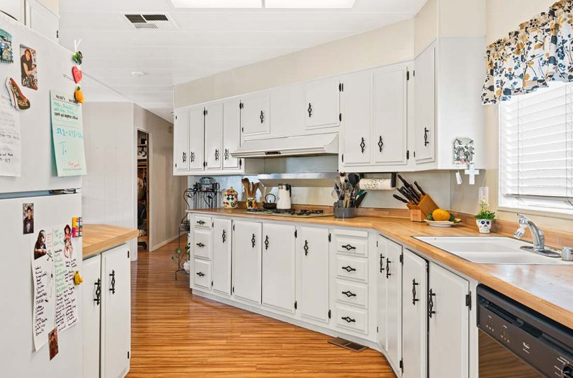 1342 Silver Lake Place Brea, CA 92821 Kitchen