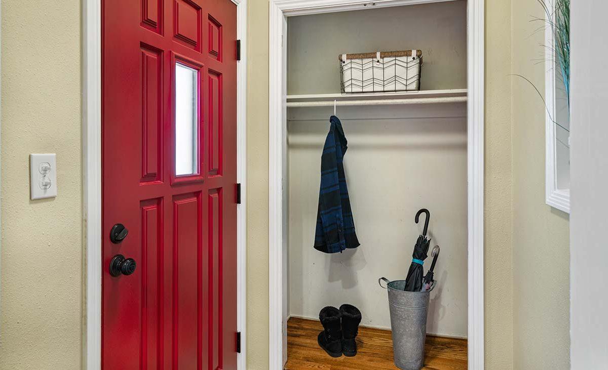 541 E Harvard Place Ontario, CA 91764 Closet